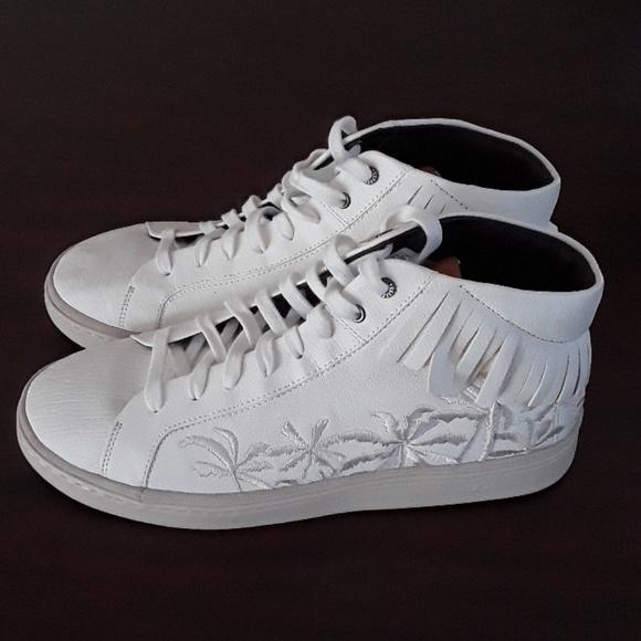 cc4185d5a16 NWOT Ugg Men's Cali Lace High Fringe Palms Sneaker